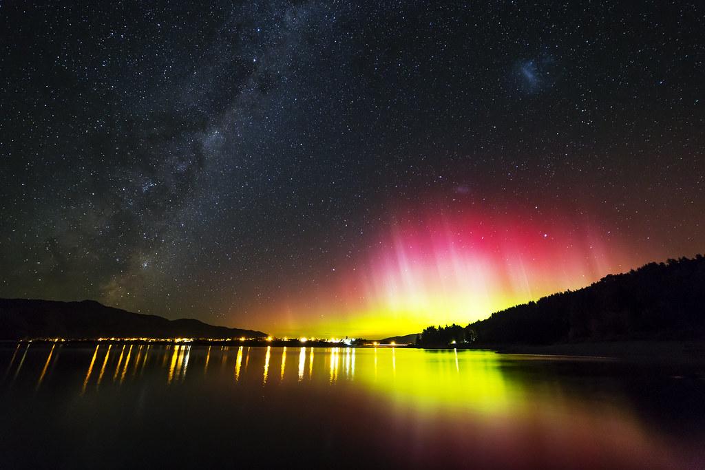 Aurora over Lake Hawea, credit: https://flic.kr/p/U2vmjD